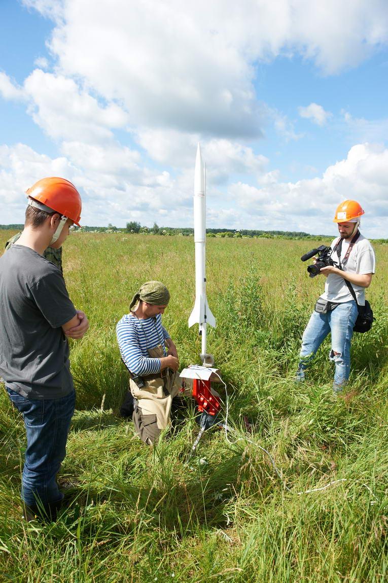 Третий чемпионат «СanSat в России». Подготовка к запуску ракеты. Фото:...